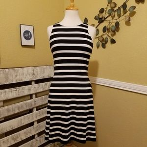 Ann Taylor Black n White Dress Size 2P